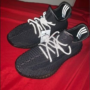 Yeezy 350 static black non reflective
